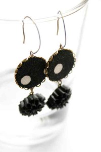 black and white earring with flower
