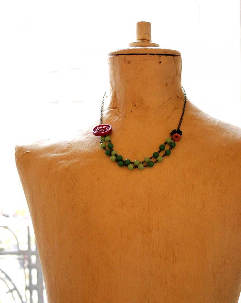 vintage button necklace vadjutka