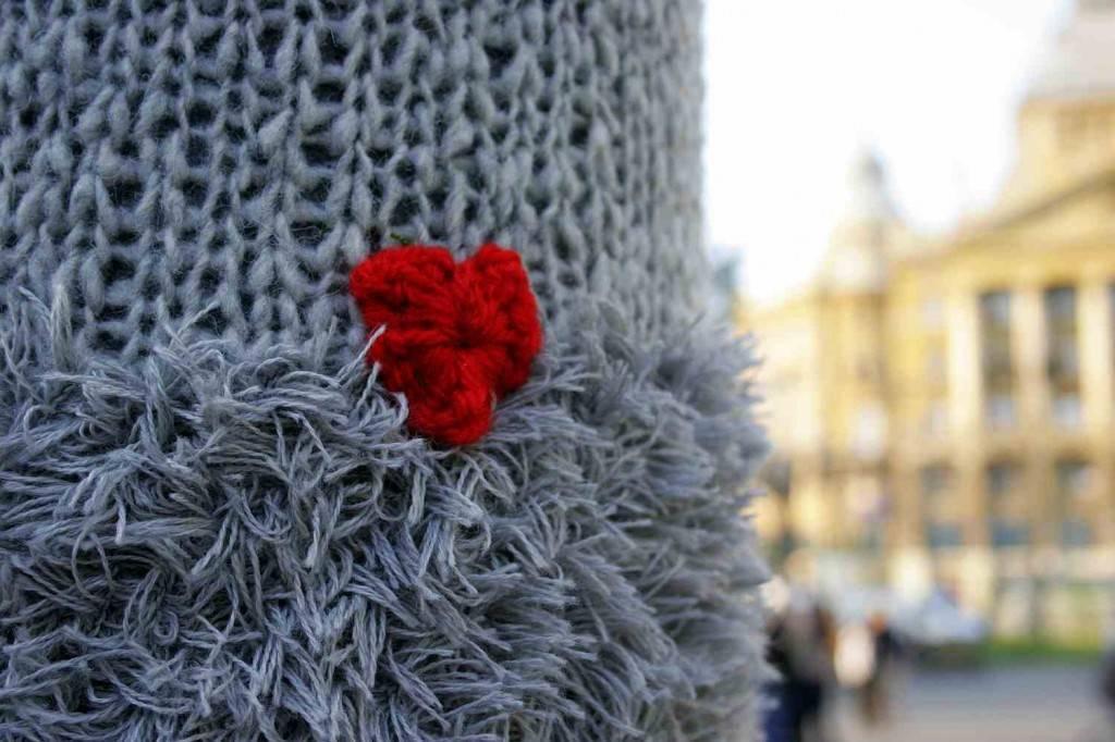 gerilla kötés budapest / guerilla knitting budapest 2012