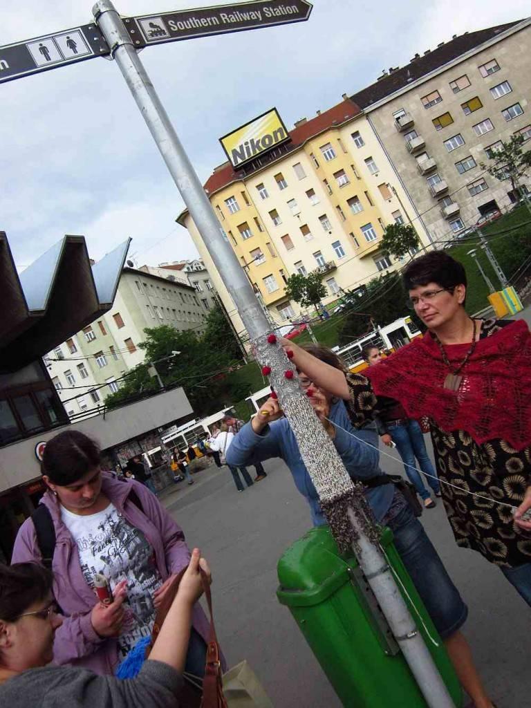 gerillakötés a Moszkva (Széll Kálmán) téren