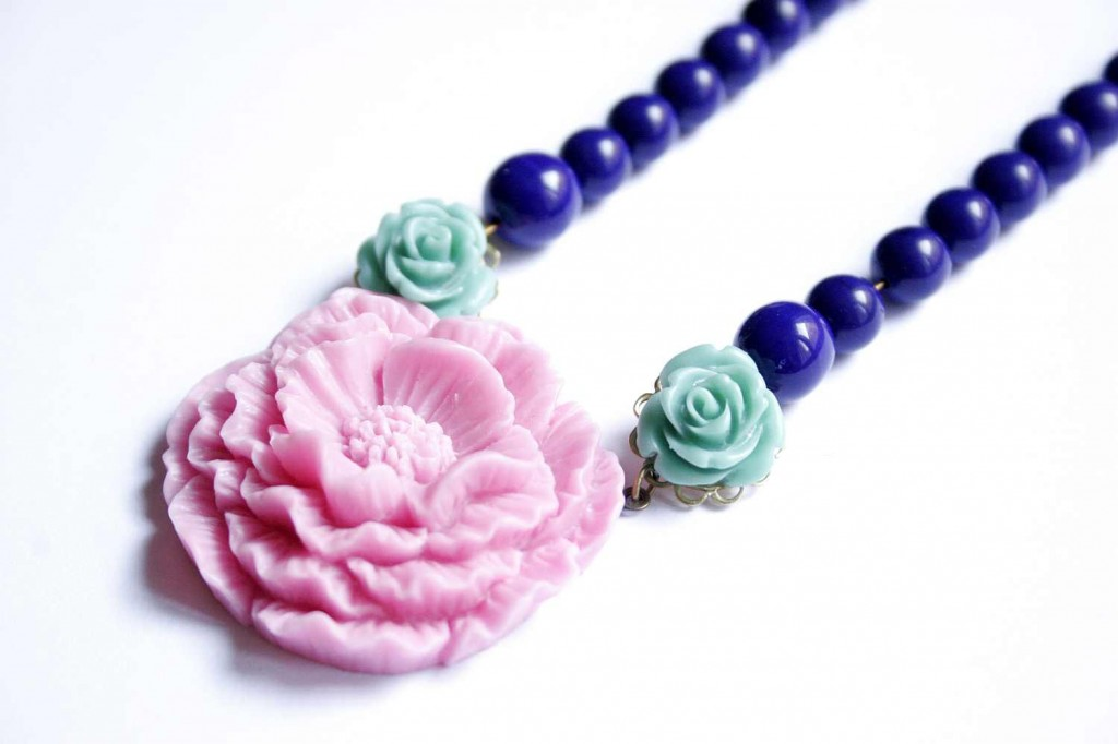 spring design jewelry necklace