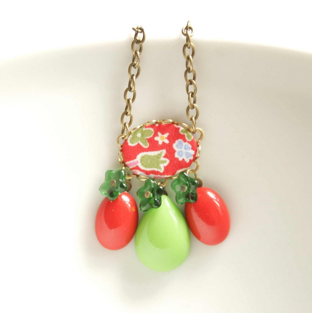 bold colors necklace