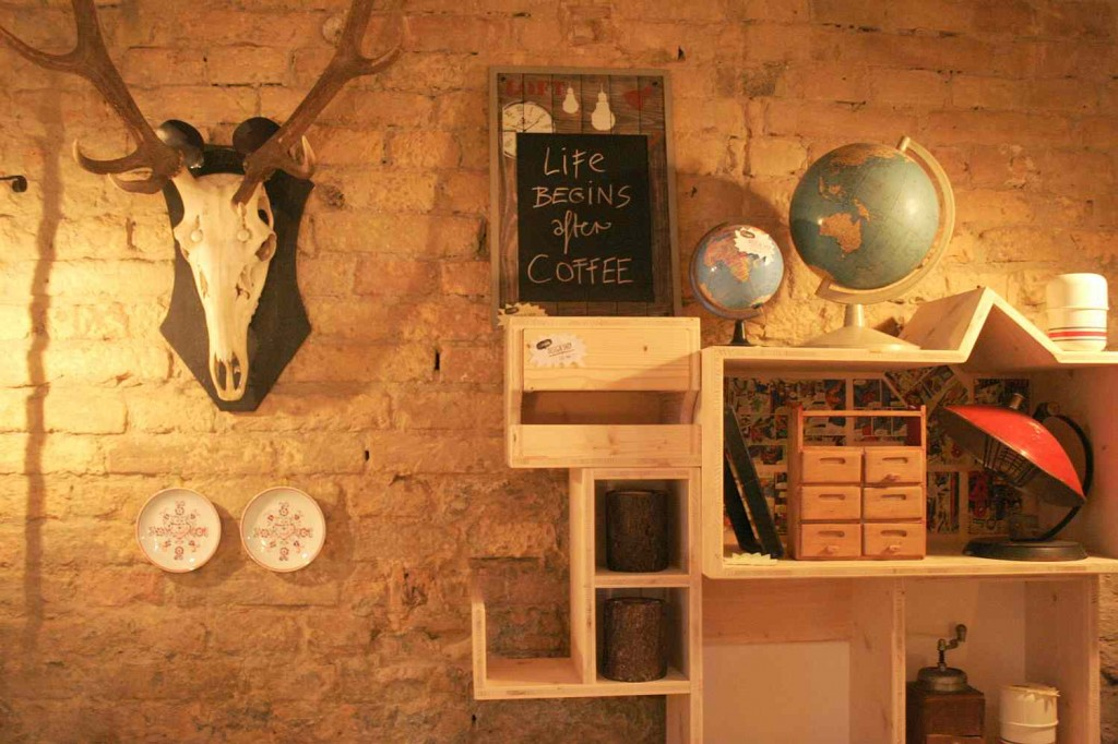 deer and design furniture