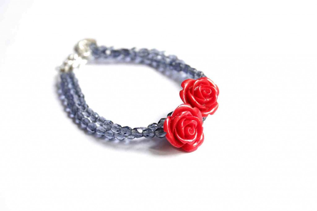 design jewelry bracelet with roses