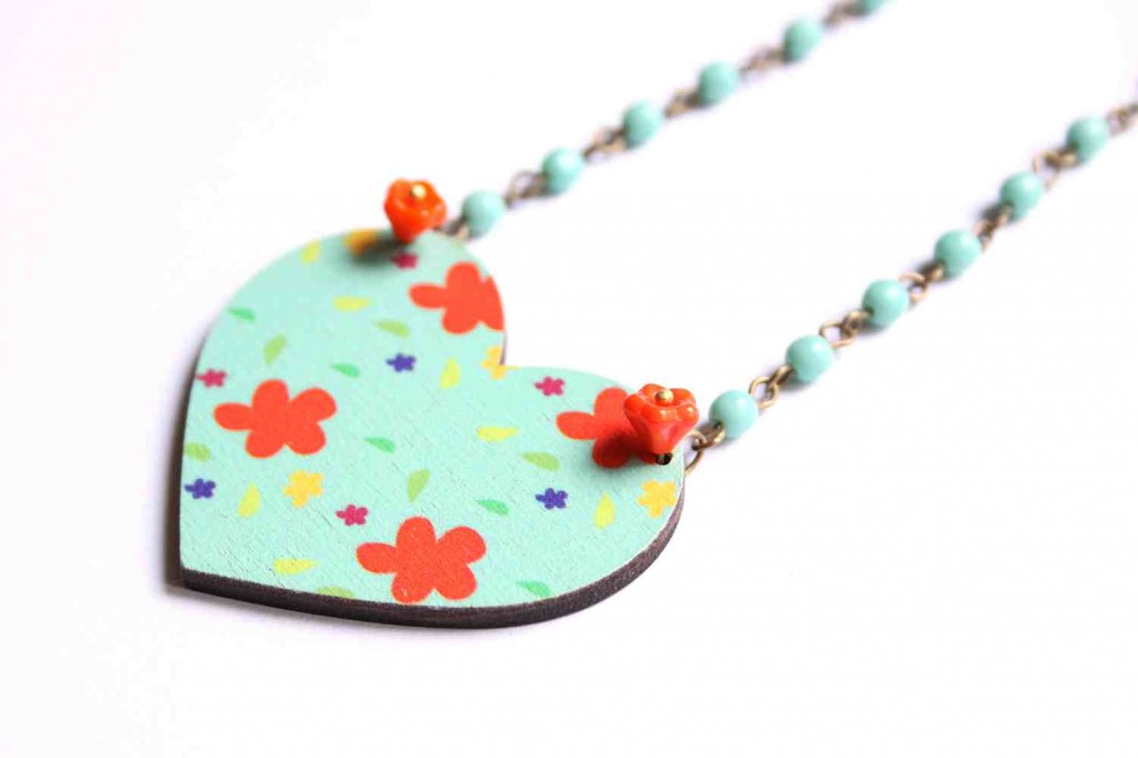 heart necklace for valentine's day