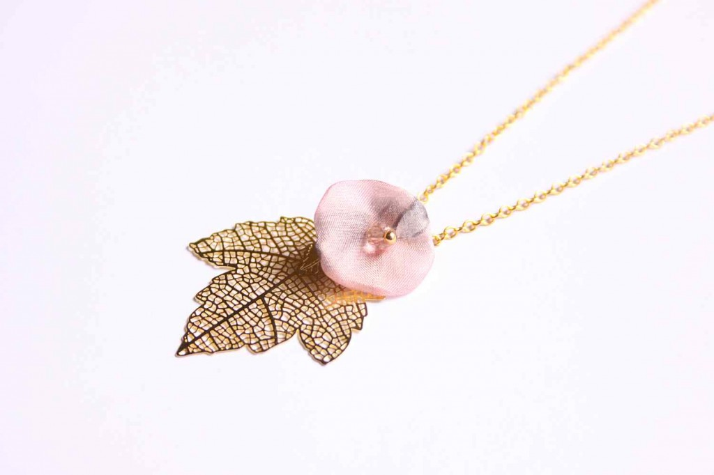 maple leaf necklace with flower